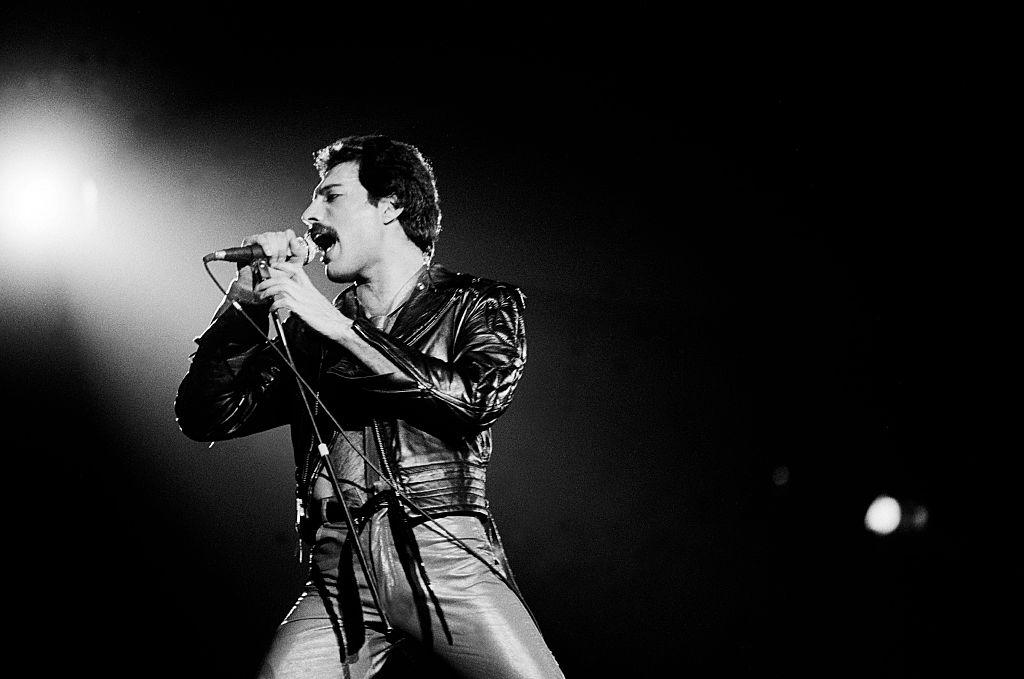 Freddie Mercury bei einem Konzert in Illinois im Jahr 1980