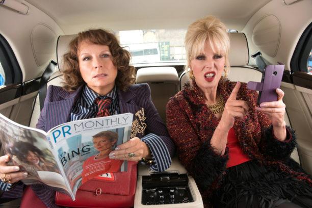 "Edina Monsoon (Jennifer Saunders) und Patsy Stone (Joanna Lumley) in ""Absolutely Fabulous - Der Film"""