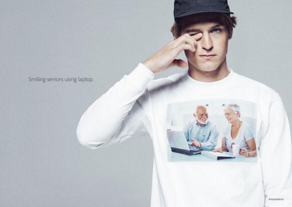 """""""Lächelnde Senioren mit Laptops"""""""
