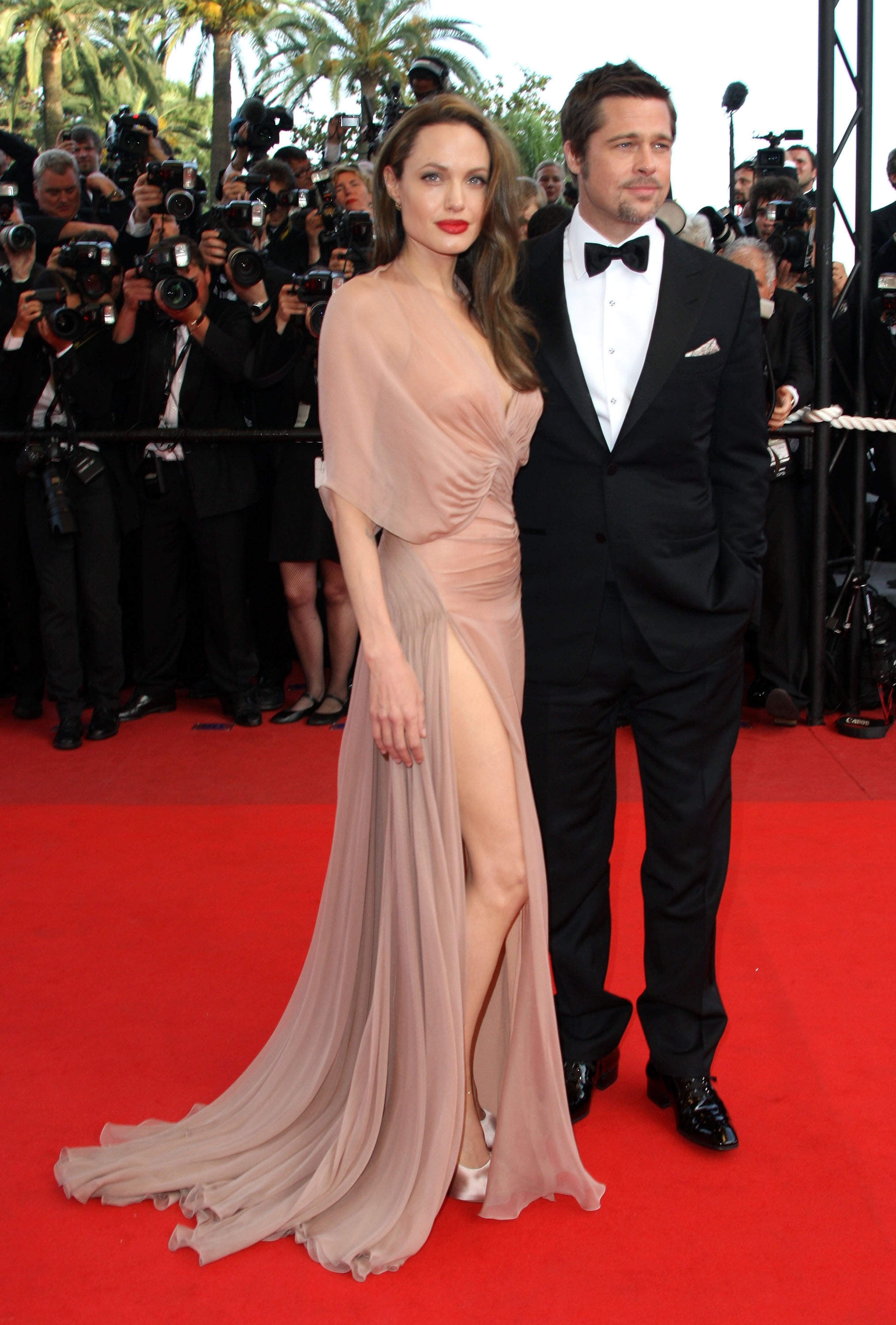CANNES, FRANCE - MAY 20: Actors Angelina Jolie and Brad Pitt attend the 'Inglourious Basterds' Premiere at the Grand Theatre Lumiere during the 62nd Annual Cannes Film Festival on May 20, 2009 in Cannes, France. (Photo by Jeff Vespa/WireImage)