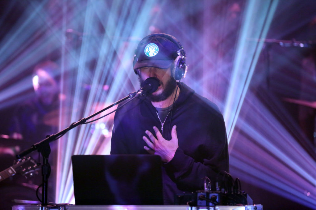THE TONIGHT SHOW STARRING JIMMY FALLON -- Episode 0533 -- Pictured: Justin Vernon of musical guest Bon Iver performs on September 14, 2016 -- (Photo by: Andrew Lipovsky/NBC/NBCU Photo Bank via Getty Images)