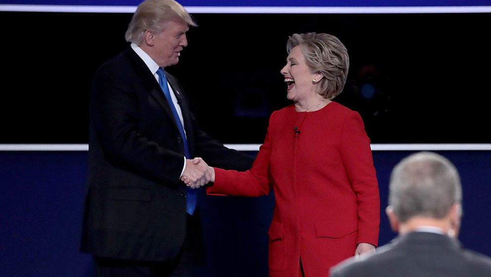 Hillary Clinton und Donald Trump beim TV-Duell in Hempstead/ New York
