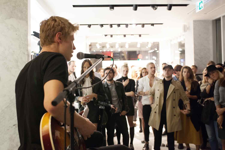 the-kooples-jesper-munk-berlin-shop-concert