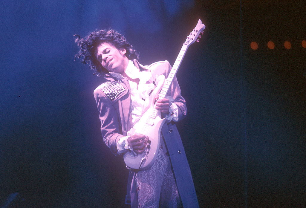 INGLEWOOD - FEBRUARY 19: Prince performs live at the Fabulous Forum on February 19, 1985 in Inglewood, California. (Photo by