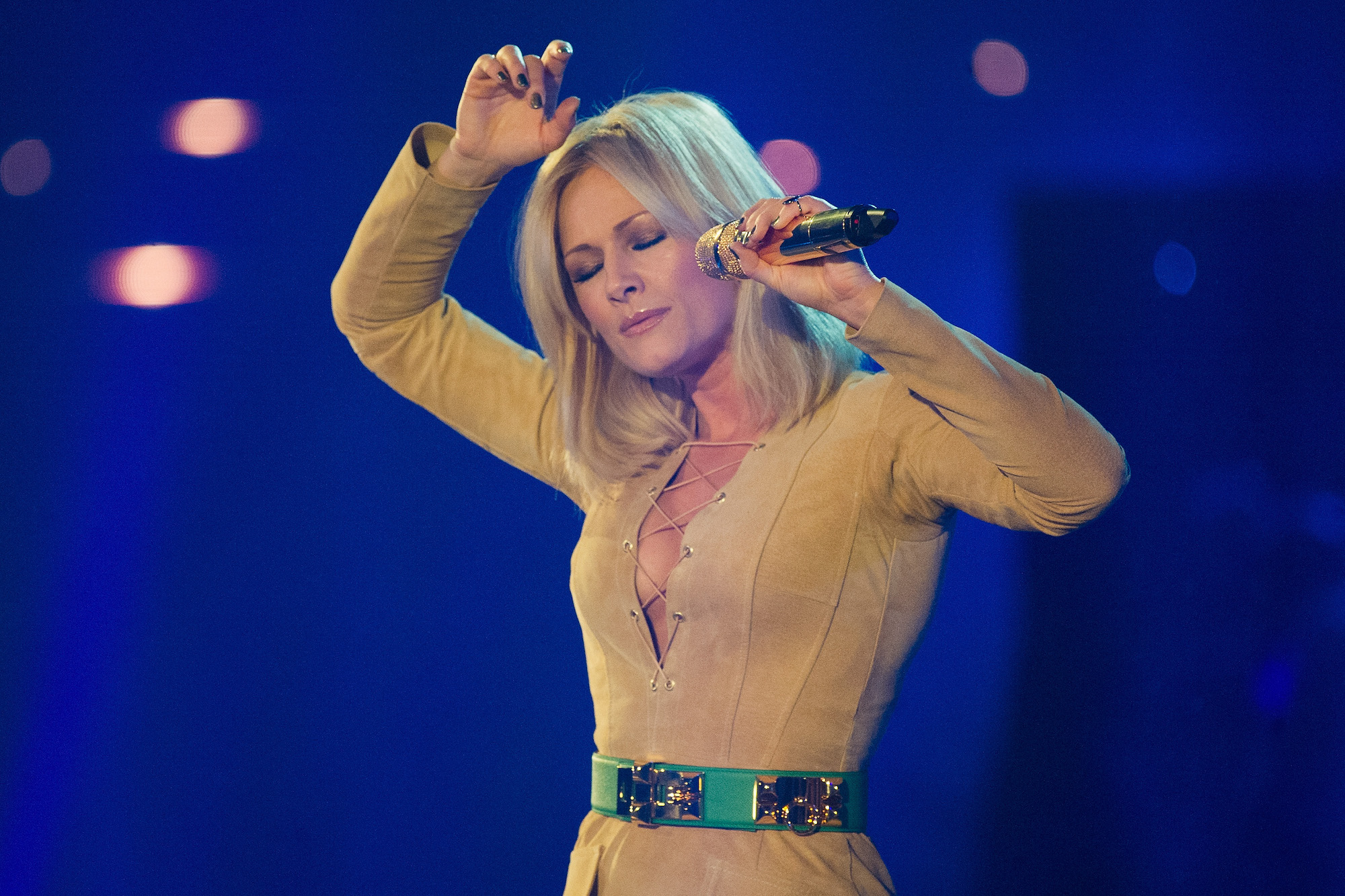 BERLIN, GERMANY - JANUARY 09:  Helene Fischer performs on stage of the 'Das grosse Fest der Besten' tv show at Velodrom on Ja