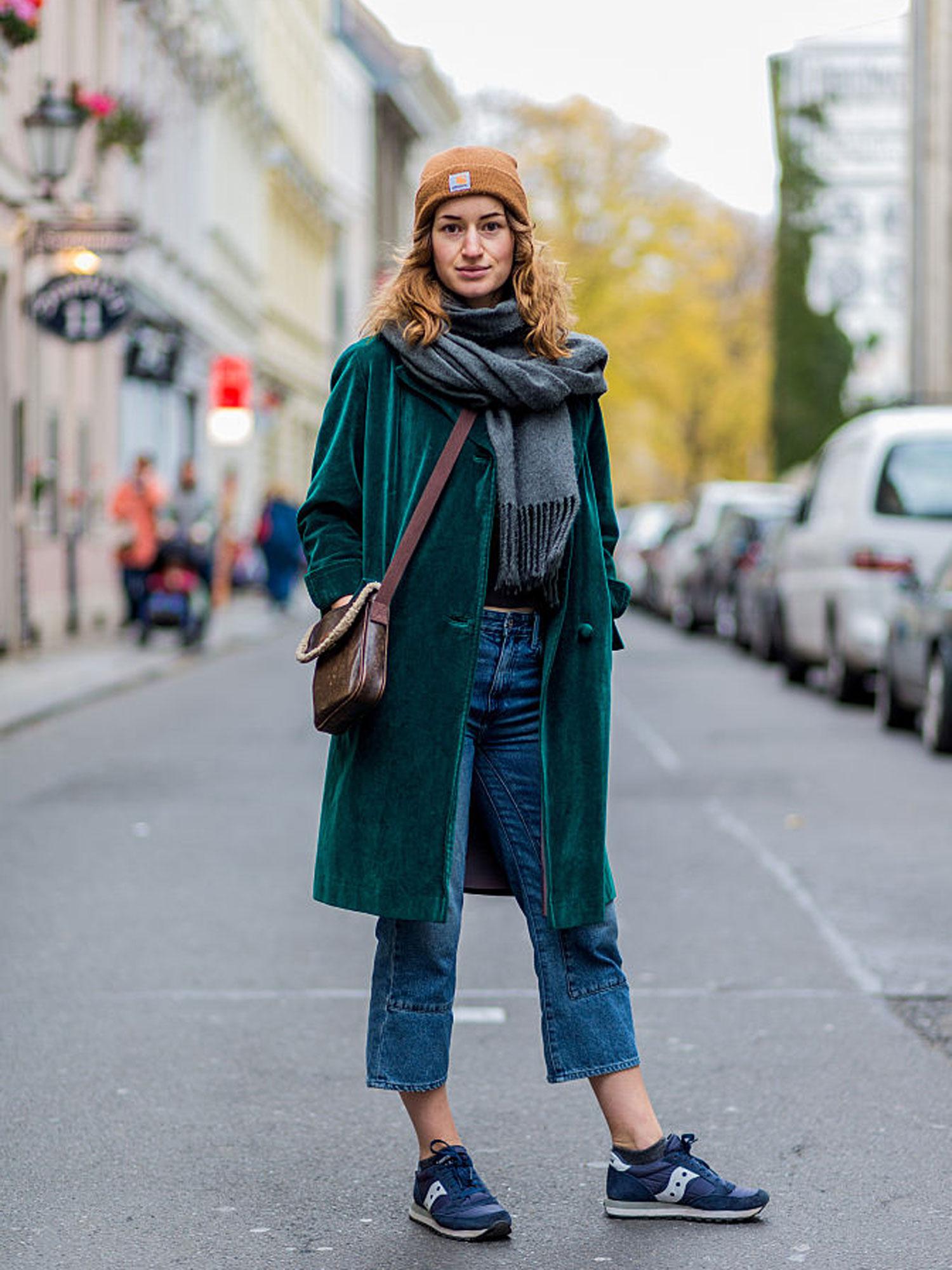 street-style-trend-velvet-samt-mantel