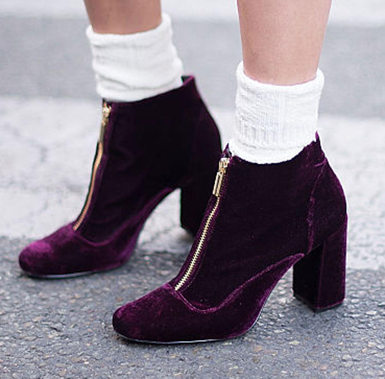 street-style-trend-samt-velvet-booties