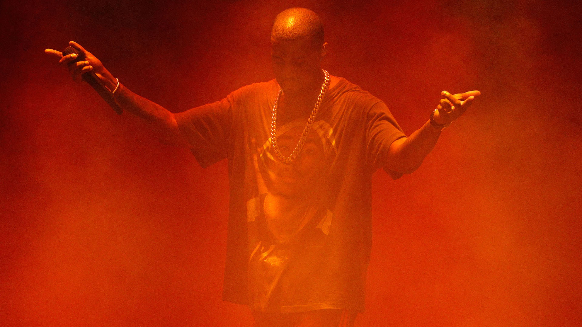 QUEENS, NY - OCTOBER 02:  Kanye West performs during The Meadows Music & Arts Festival at Citi Field on October 2, 2016 i