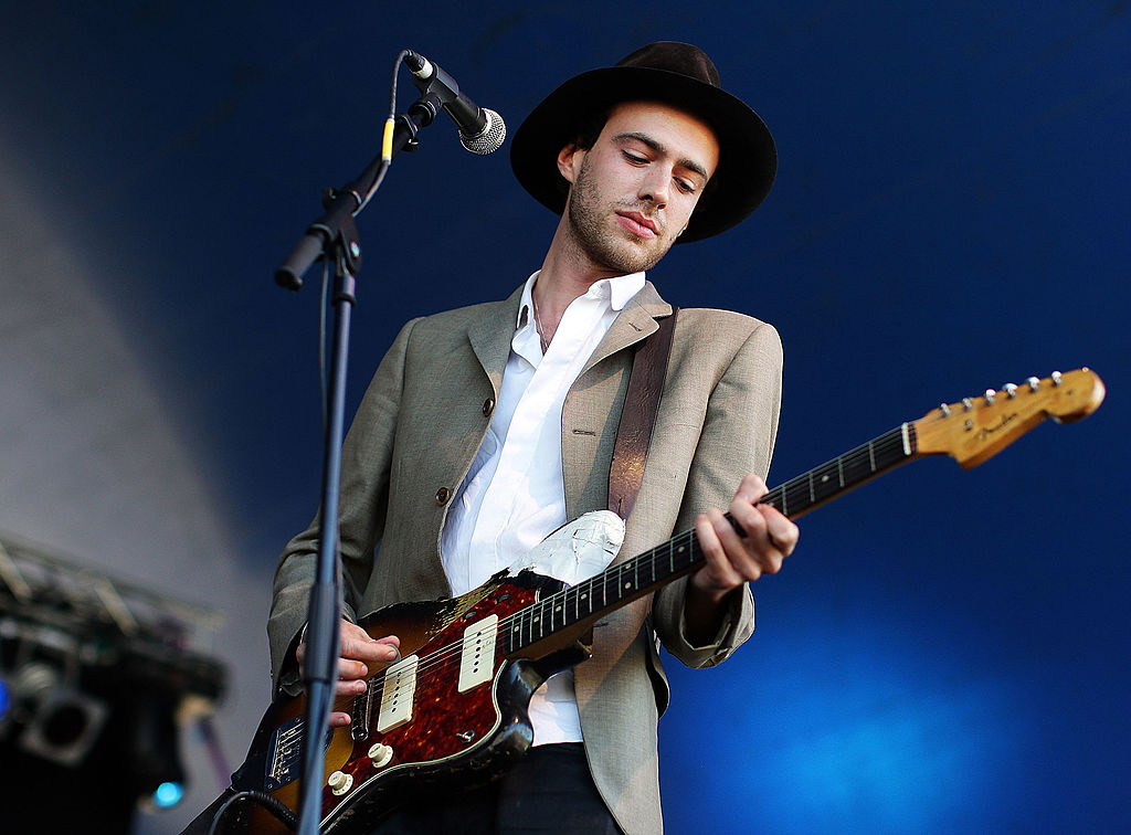 AUCKLAND, NEW ZEALAND - JANUARY 15: Finn Andrews of the The Veils performs on stage with James Duncan during the 2010 Big Day Out Auckland at Mt Smart Stadium on January 15, 2010 in Auckland, New Zealand. (Photo by Hannah Peters/Getty Images)