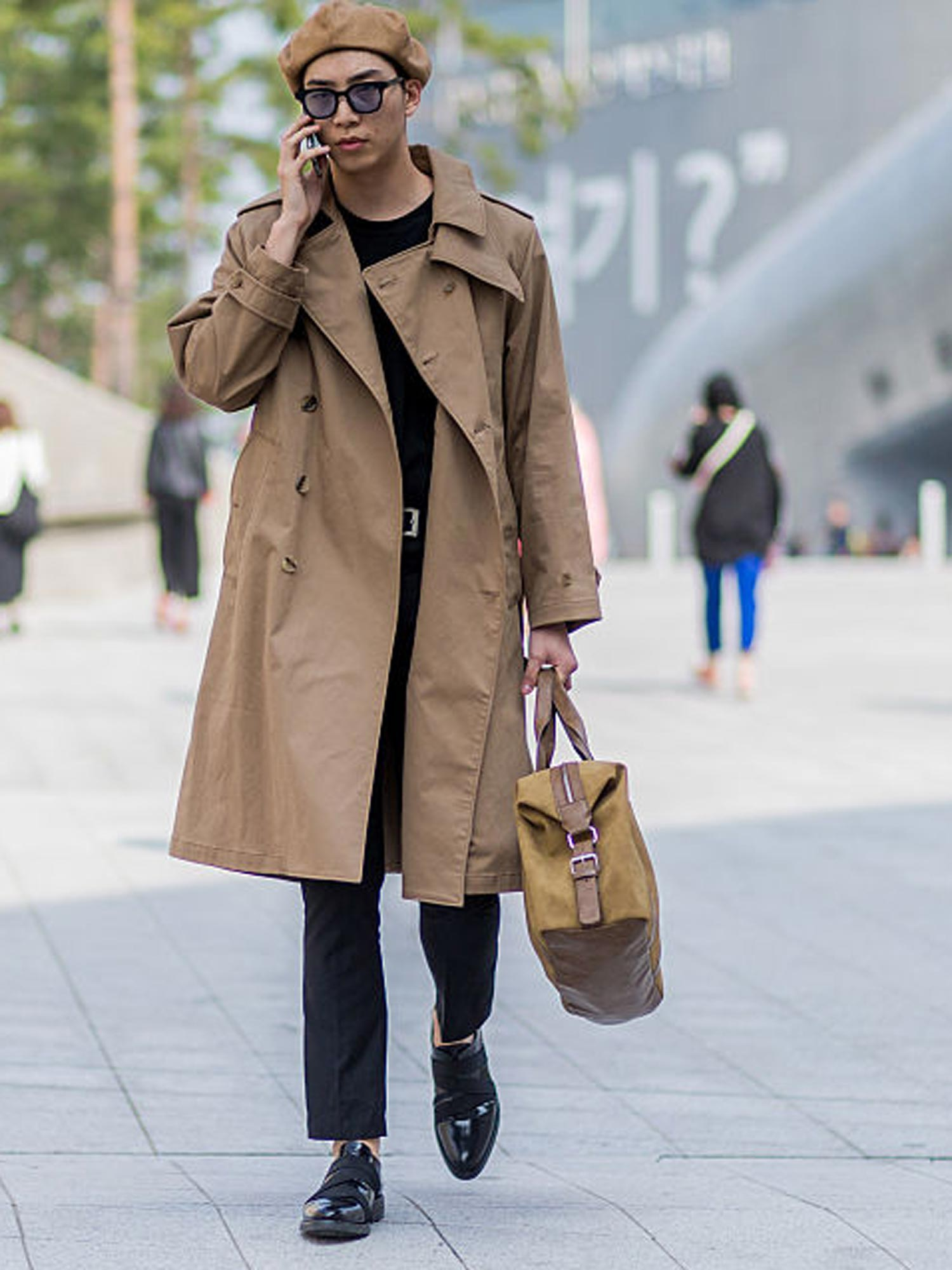 muetze-trend-winter-2016-street-style-gettyimages-615852032