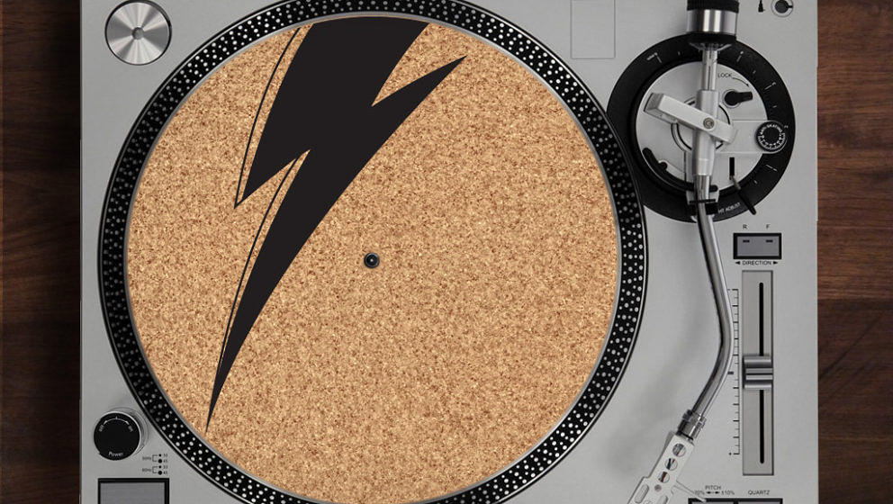 Ein Geschenk, das Schallplatten schont und guten Musikgeschmack visualisiert.