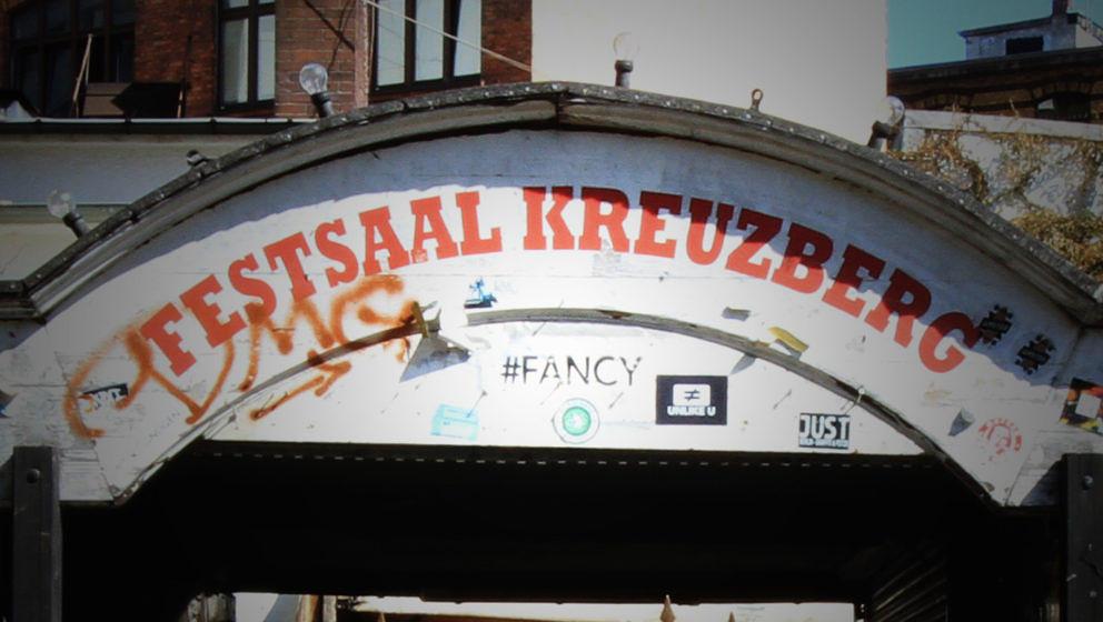 Der Festsaal-Kreuzberg-Schriftzug wird bald auf dem White-Trash-Gelände zu sehen sein.
