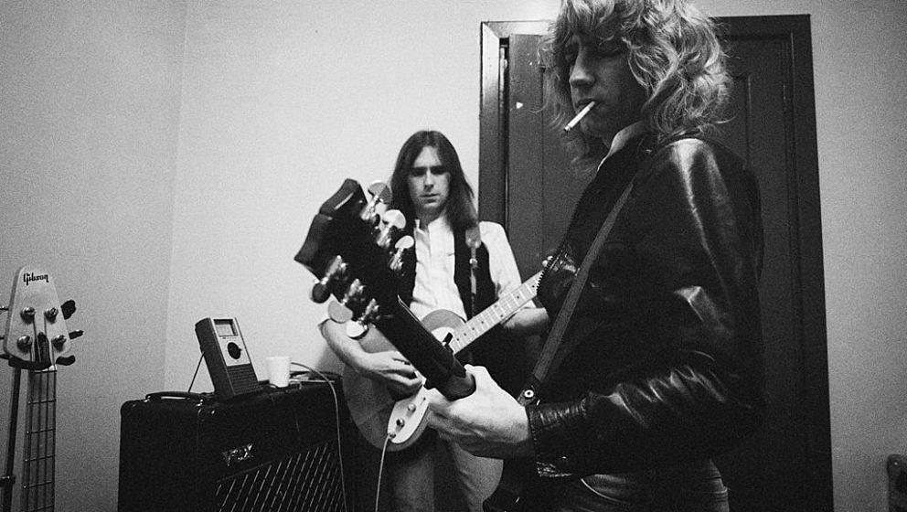Parfitt (rechts) vor einem Auftritt mit seiner Band Status Quo im Jahr 1977.