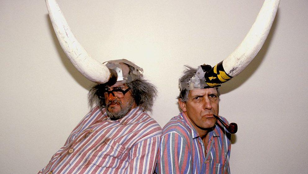 UNSPECIFIED - JANUARY 01: Photo of Jimmy CAUTY and KLF and Bill DRUMMOND (Photo by Simon Ritter/Redferns)