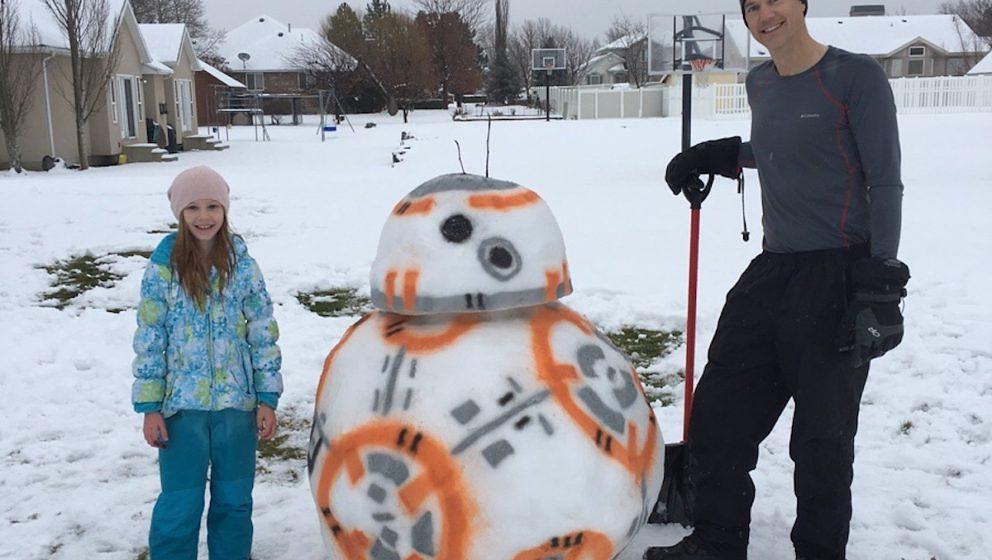 Gute Partner für den Start in die Mission 2017: BB-8 und ein Super-Daddy.