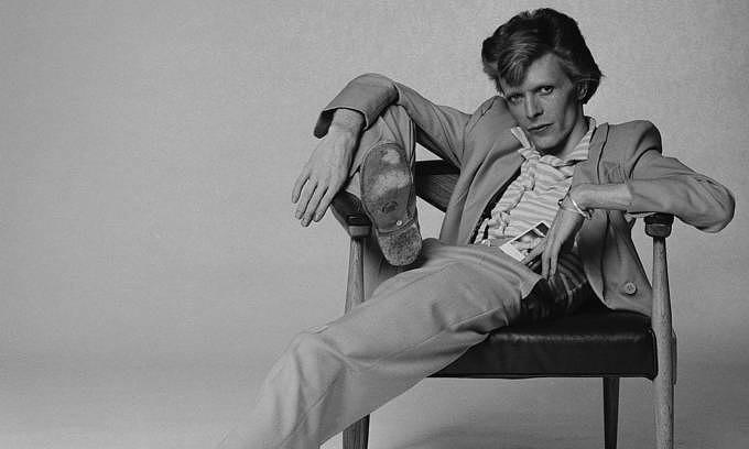 English singer, musician and actor David Bowie, 1974. (Photo by Terry O'Neill/Hulton Archive/Getty Images)