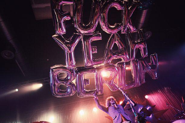 Wieder so ein Glückshormon-Verschüttungs-Spektakel: die Live-Show von Wayne Coyne in Berlin