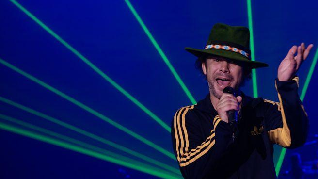 SHANGHAI, CHINA - AUGUST 06: (CHINA OUT) Singer Jay Kay of Jamiroquai performs on the stage in concert at Shanghai Grand Stage on August 6, 2013 in Shanghai, China. (Photo by VCG/VCG via Getty Images)