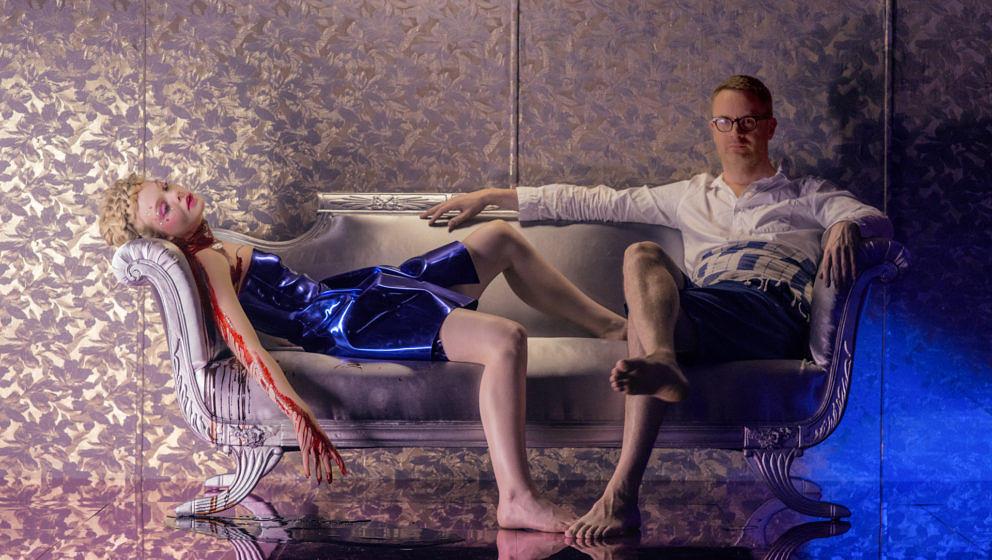 Nicolas Winding Refn mit seiner Darstellerin Elle Fanning.