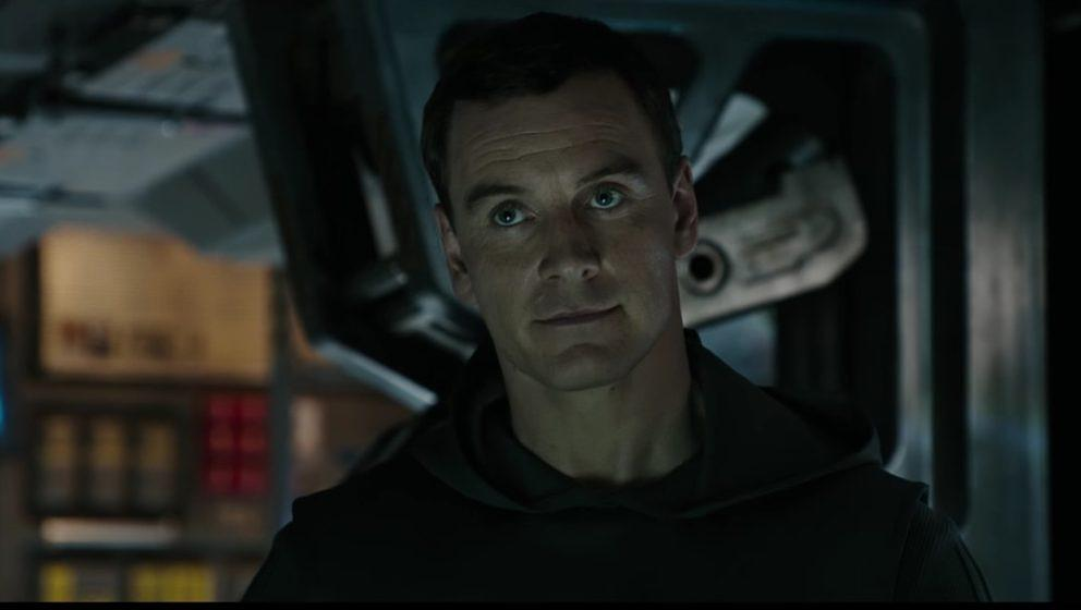 Michael Fassbender als Android Walter.