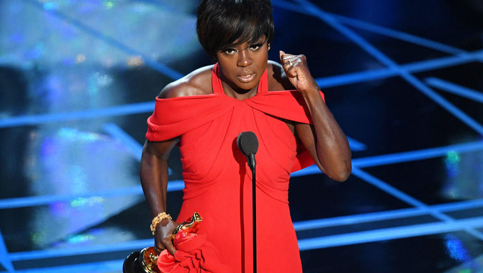 HOLLYWOOD, CA - FEBRUARY 26:  Actor Viola Davis accepts Best Supporting Actress for 'Fences' onstage during the 89th Annual A
