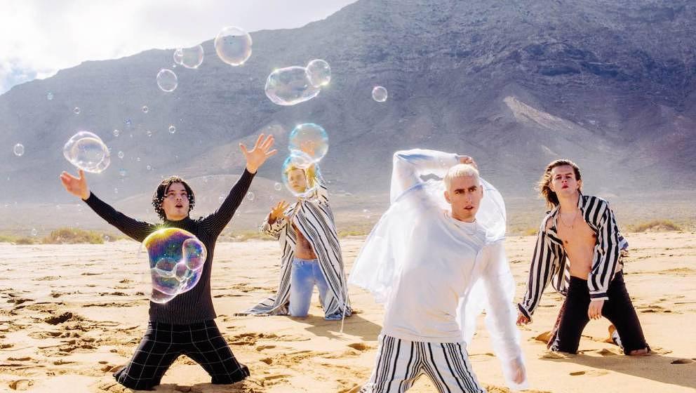 'Endlich tut sich was. Magic Life – das könnte Europa sein!' – Bilderbuch im Interview auf Fuerteventura