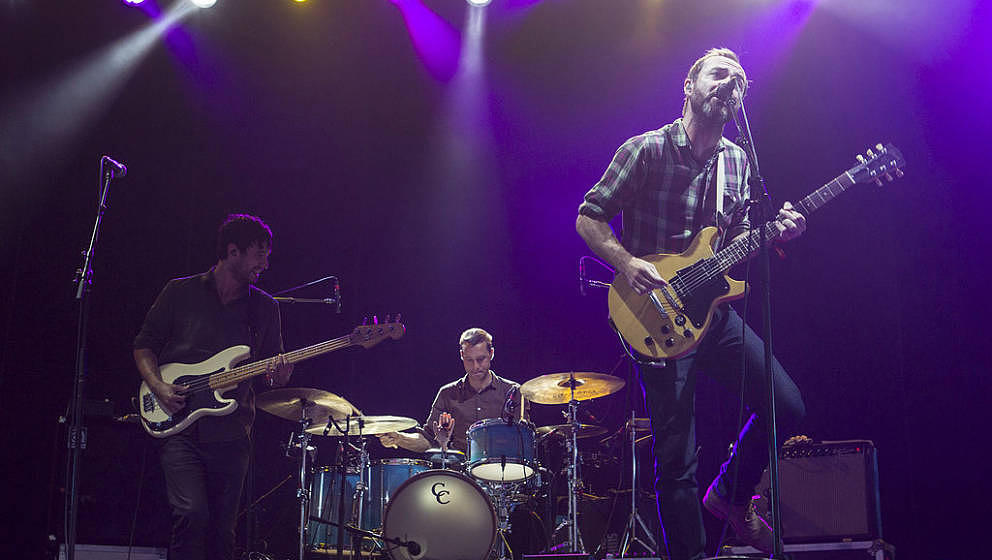 GULF SHORES, AL - MAY 17: (L-R) Bassist Yuuki Matthews, drummer Joe Plummer and vocalist/guitarist James Mercer of The Shins