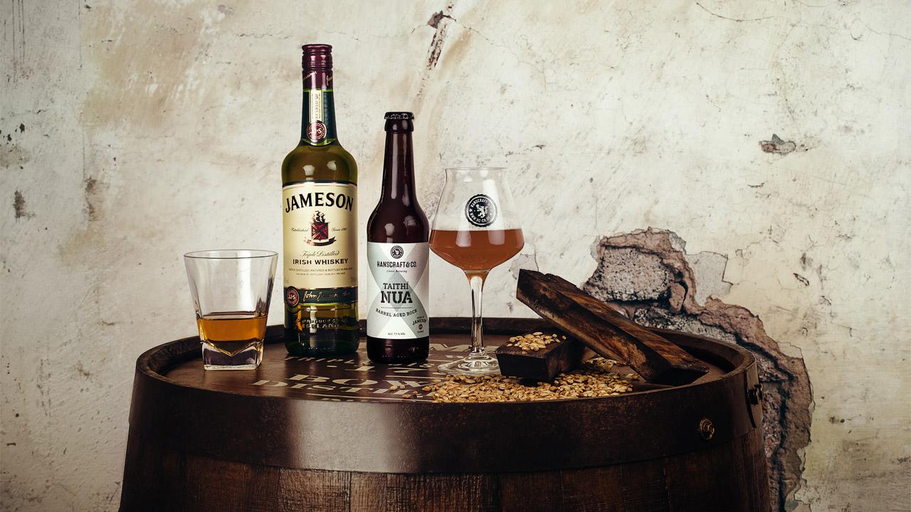Jameson-Whiskey (links) und Taithí Nua