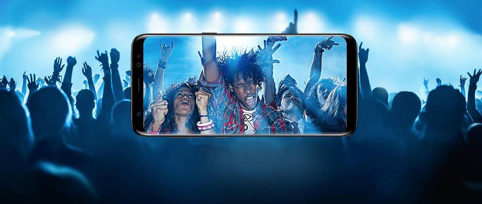 Wir haben das neue Samsung Galaxy S8 genauer unter die Lupe genommen und es mit den Flaggschiffen Google Pixel und Apple iPho