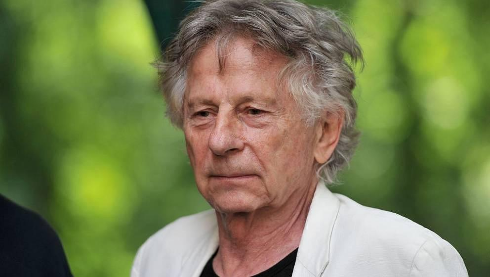Oscar-winning Polish-French director Roman Polanski looks on on August 28, 2016 in Chanceaux-près-Loches, central France, du