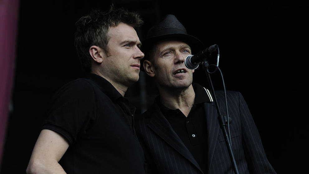 "Damon Albarn und Paul Simonon mit The Good,. The Bad & The Queen live beim ""Love Music, Hate Racism""-Festival 2011 in London"