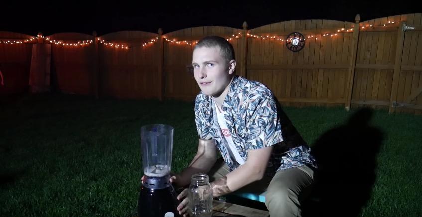 Wir wünschen ihm einen guten Stuhlgang: Reddit-User Cousin Tyrone, der sich hier gerade kläglich als Johnny Knoxvilles Nachfolger bewirbt