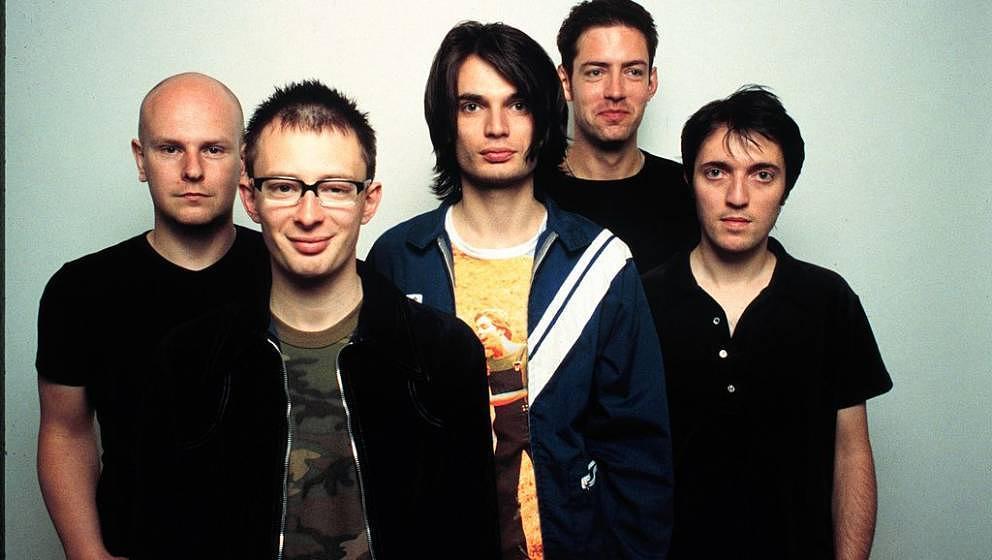 Fast heiter: Thom Yorke und seine Radiohead-Kollegen 1997, kurz vorm Erscheinen von OK COMPUTER.