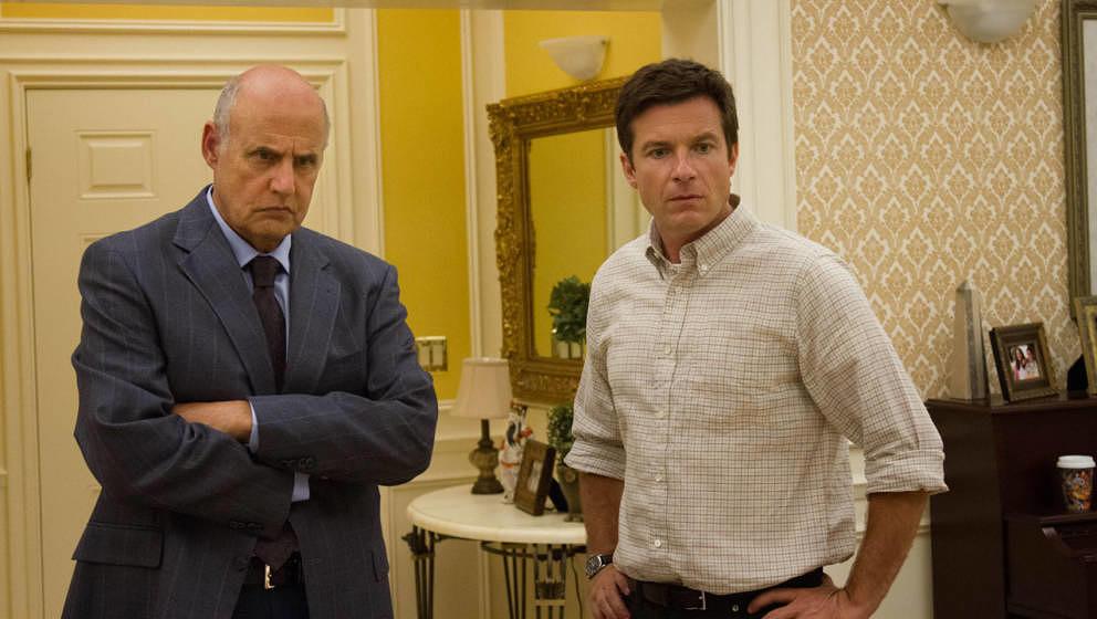 """Jeffrey Tambor (George Bluth Sr.) und Jason Bateman (Michael Bluth) in """"Arrested Development"""""""