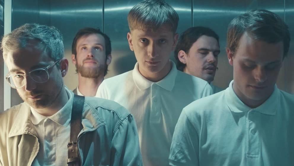 """Szene aus Kraftklubs Video """"Sklave"""""""