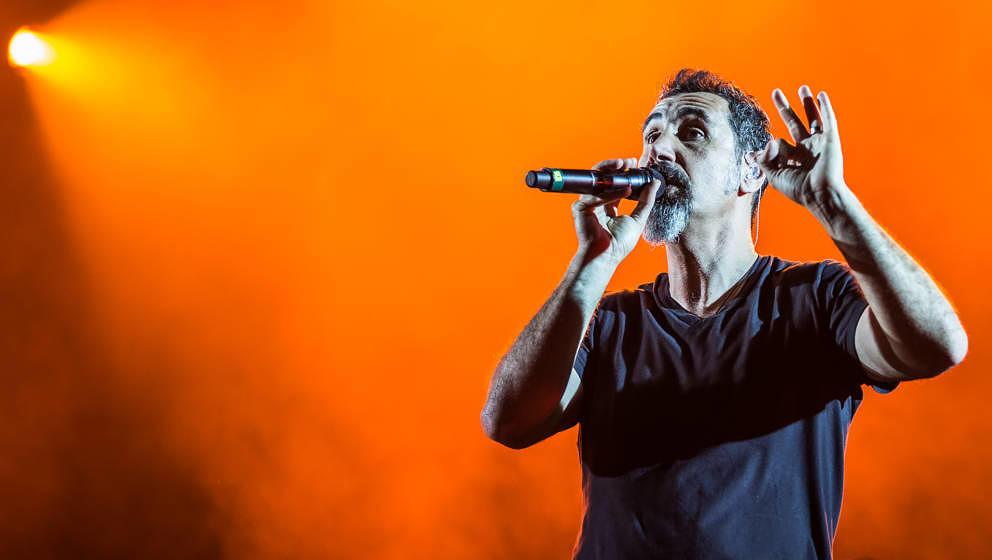 Serj Tankian mit System of a Down live bei Rock im Park 2017