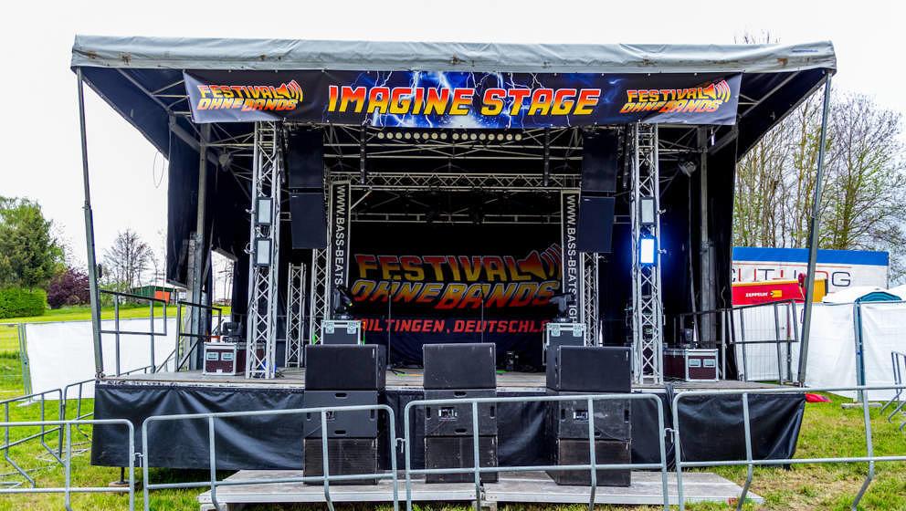 Bleibt mehr Zeit zum Saufen und Schlafen: Das erste Festival ohne Bands kam 2017, richtig, ohne Bands aus.