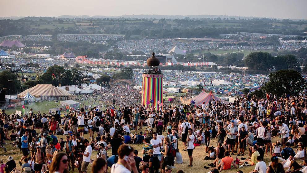 GLASTONBURY, ENGLAND - JUNE 21:  Festival goers at Glastonbury Festival Site on June 21, 2017 in Glastonbury, England. (Photo