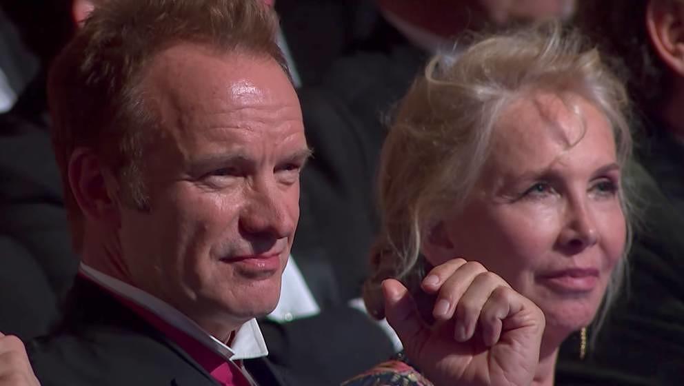 Ihm gefiel anscheinend nicht, was er da sah und hörte: Sting mit seiner Frau Trudie Styler beim Polar Music Prize 2017