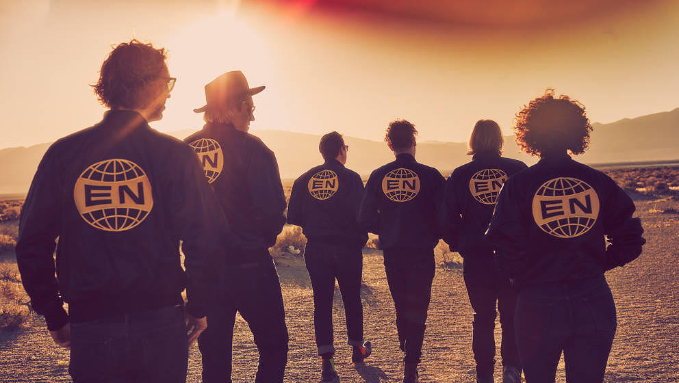 Bringen am 28. Juli ihr neues Album EVERYTHING NOW heraus: Arcade Fire