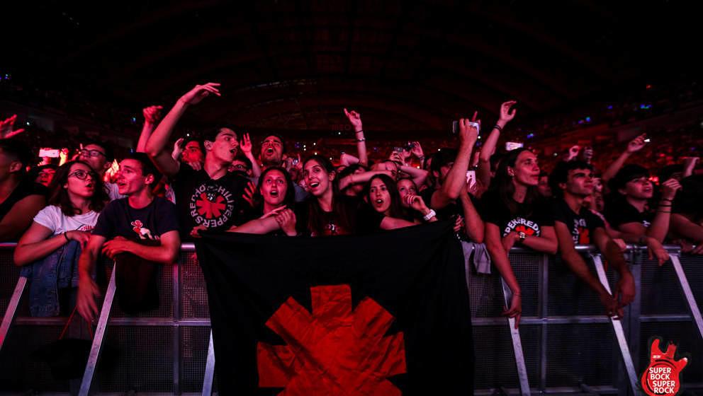 Das Publikum während des Gigs der Red Hot Chili Peppers