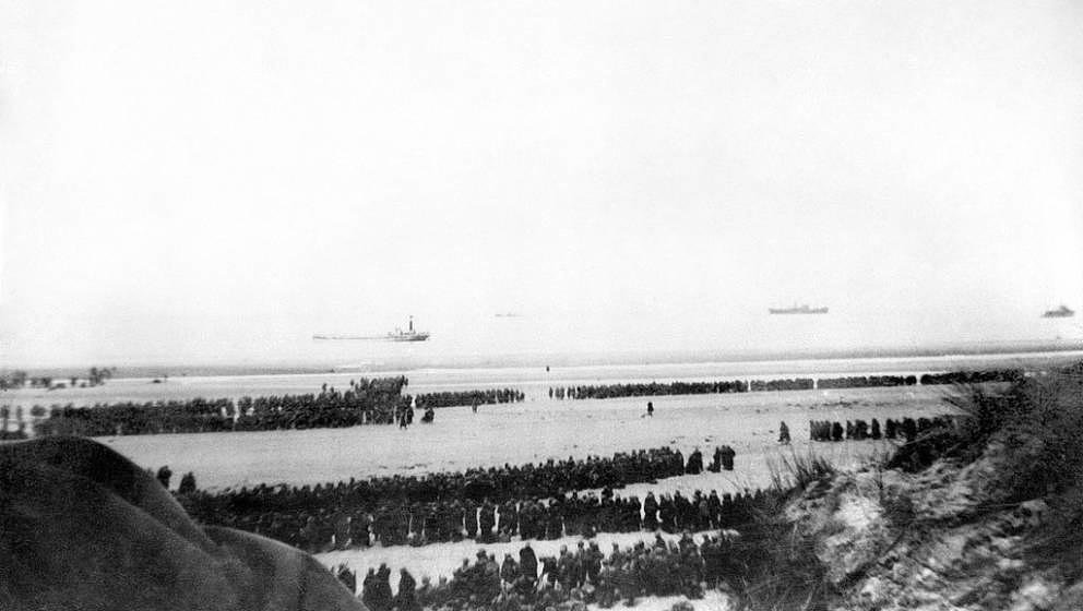 (FILES) - Photo taken on June 1940 shows soldiers evacuated from a Dunkirk beach, northern France, as the allied troops evacu