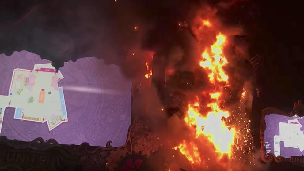 Die gesamte rechte Seite der Bühne fing am Wochenende flammen. Auf dem Screen: Der Notfallplan