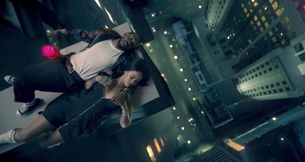 Kendrick und Riri auf dem Dach.
