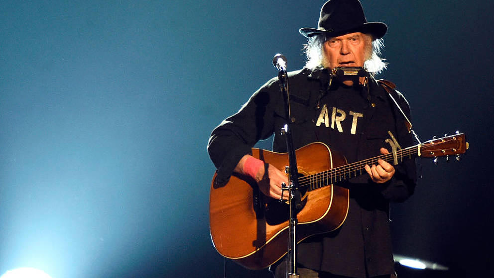 LOS ANGELES, CA - FEBRUARY 06:  Singer Neil Young performs onstage at the 25th anniversary MusiCares 2015 Person Of The Year