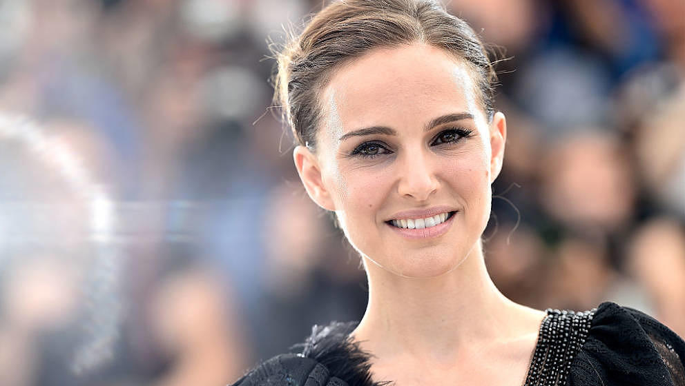 CANNES, FRANCE - MAY 17:  Director Natalie Portman attends the 'A Tale Of Love And Darkness' Photocall during the 68th annual