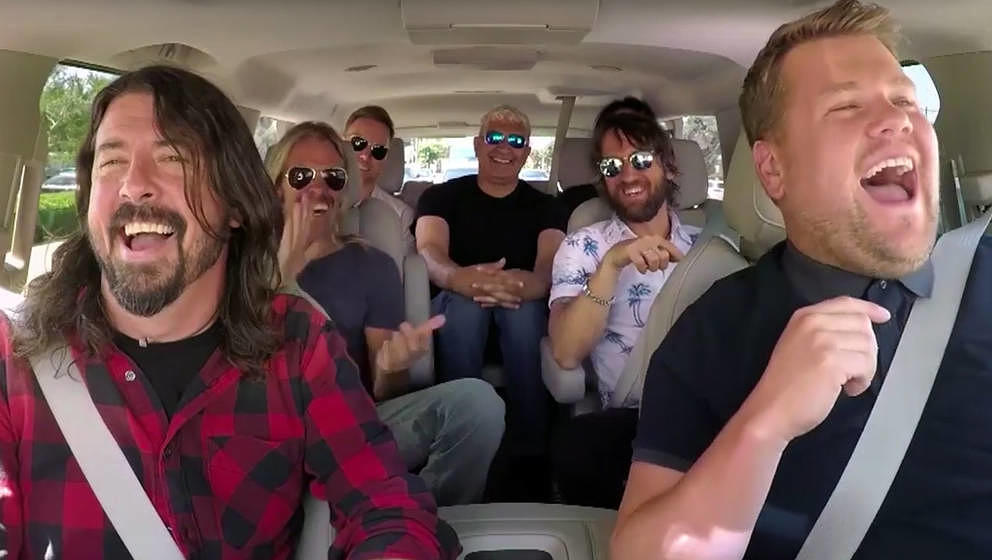Die Foo Fighters bei James Corden ein.
