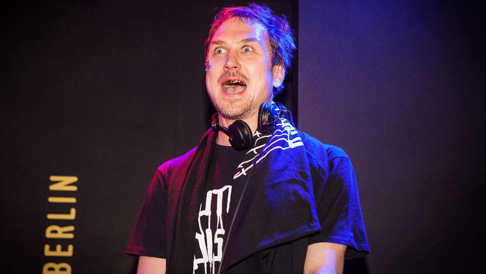 Schauspieler und DJ Lars Eidinger sorgte diese Woche für Stress im Netz.