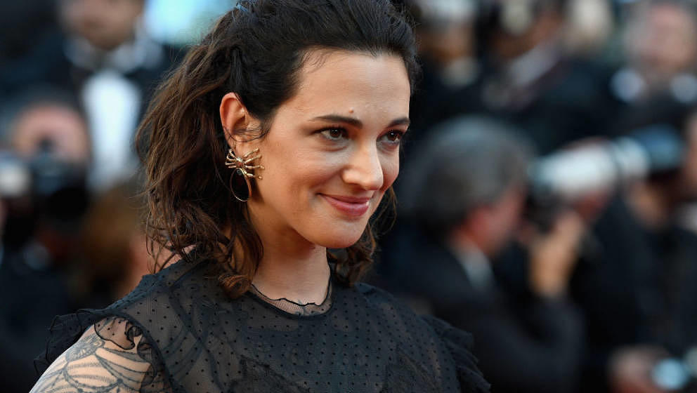 CANNES, FRANCE - MAY 17:  Asia Argento attends the 'Ismael's Ghosts (Les Fantomes d'Ismael)' screening and Opening Gala durin