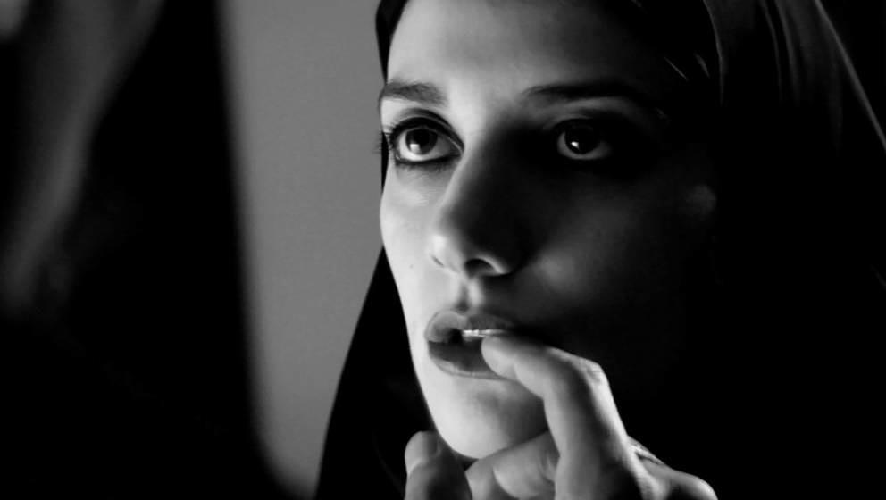 "Szene aus ""A Girl Walks Home Alone at Night"""